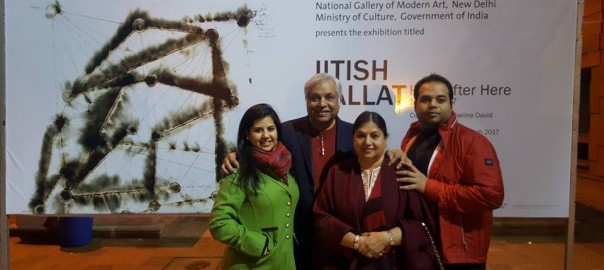 Dr Pradeep Chowbey with his family at National Gallery of Modern Art!