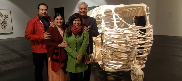 Dr Pradeep Chowbey with his family at National Gallery of Modern Art!1